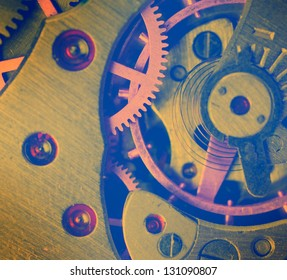 metal clock mechanism with the gears