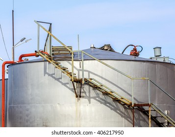 metal containers for storage of petroleum products on Kamchatka