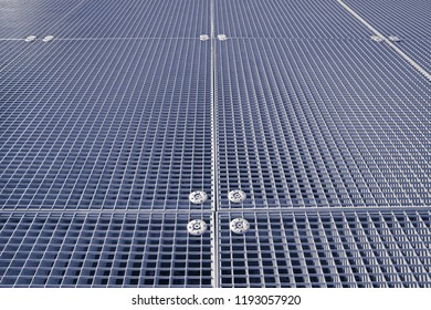 Metal grate protection pavement