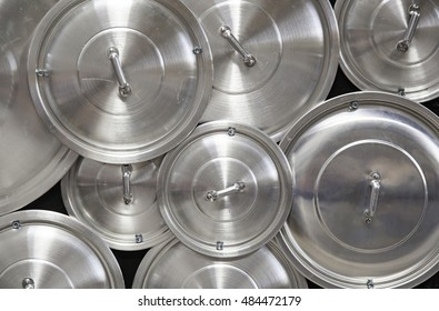 Metal lids pans