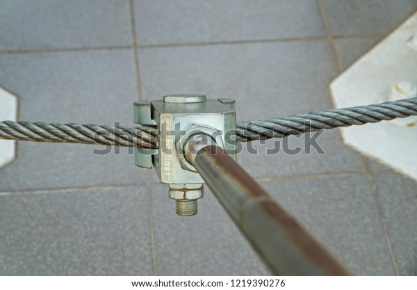 metal-mount-consisting-bolts-cables-600w