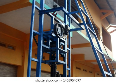 Metal pulley with 2 ropes A pulley is a mechanical device used to transfer mechanical energy.