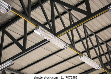 The metal roof structure of interior building with Lighting equipment