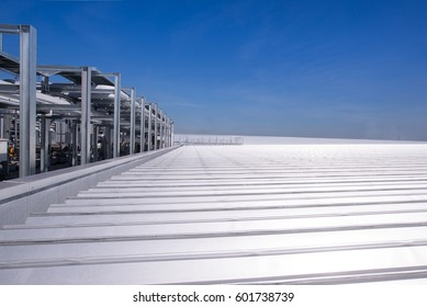 Metal sheet for industrial building and construction under the sky