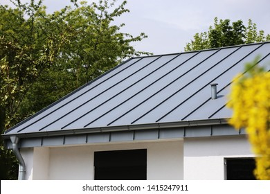 Metal standing seam roof on a residential home