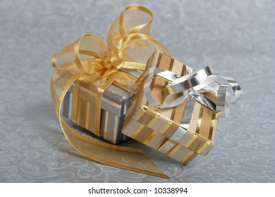 Metallic gift boxes, a perfect present