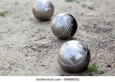 Metallic petanque ball