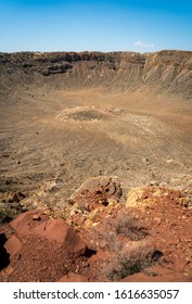 Meteor Crater's large impact zone