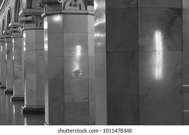 metro Russia b&w