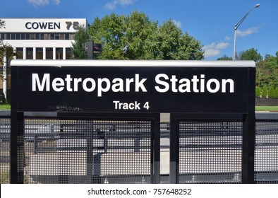METROPARK, NJ -1 OCT 2017- The Metropark railway station on the Northeast Corridor line. Many commuters use NJ transit and Amtrak trains daily from NJ suburbs to New York City.