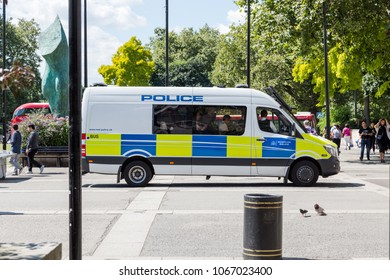 Metropolitan Police van with police officers inside at Marble Arch in London. Sunny summer day. London, UK, 6th August 2016