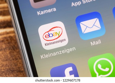 Iphone X Chat Images Stock Photos Vectors Shutterstock
