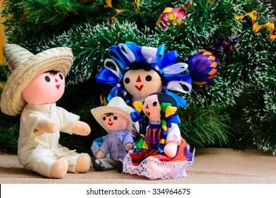Mexican Christmas (dolls family and Christmas Tree)