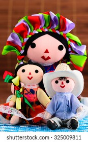 Mexican dolls (mother and children)