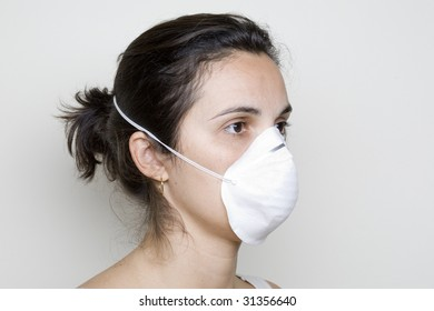 Mexican girl with mask against swine flu