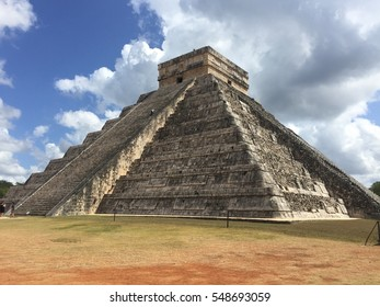 mexican mayan building