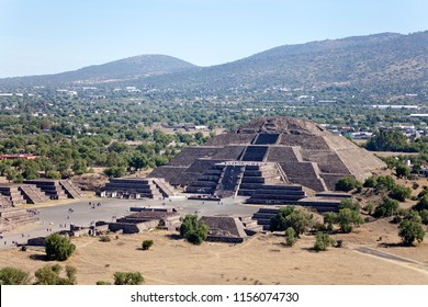 Mexican pyramids and hot air balloons on a sunny day near Mexico City