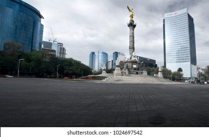 Mexico city Mexico 14th january 2012 Angel of independence roundabout in Reforma avenue