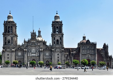 Mexico City, 23. April 2015 - Metropolitan Cathedral of the Assumption of Mary of Mexico City