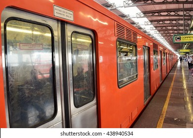 Mexico city - Apr. 25 2016 - Metro line B San Lazaro station