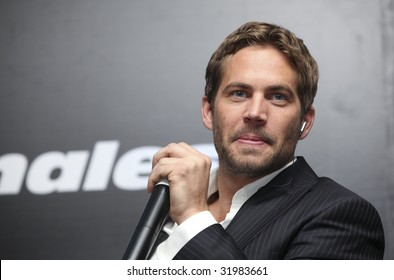 MEXICO CITY - MARCH 27: Actor Paul Walker attends the 'Fast & Furious' photo call  & press conference at the Marriot Hotel on March 27, 2009 in Mexico City.