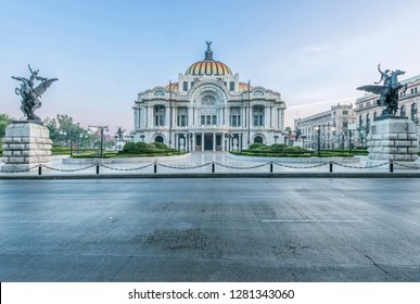 Palacio Images Stock Photos Vectors Shutterstock