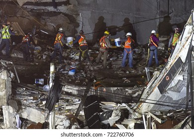 MEXICO CITY, MEXICO, SEPTEMBER 25, 2017. Rescue works in the collapsed building located in Obregon 286. More than 320 persons have died because of September 19 earthquake in Mexico.