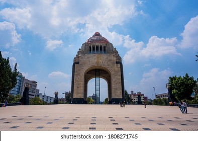 Mexico, Ciudad de mexico / Mexico; septiembre  03  2020: Monumento a la revolucion por el dia.