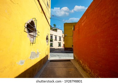 Mexico, Colorful buildings and streets of San Miguel de Allende in historic city center.