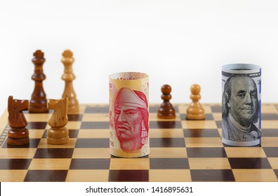 Mexico Money Note vs US Money Note  on a Chess Board