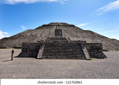 Mexico pyramids.The pyramid of Sun in Teotihuacan, Mexico
