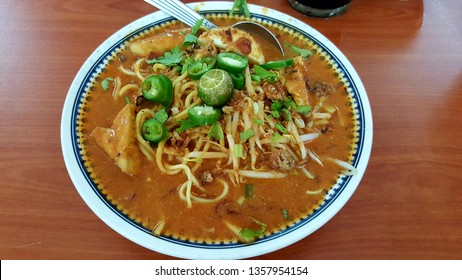 """Mi rebus, mie rebus (Indonesian spelling) or mee rebus (Malaysian and Singaporean spelling), literally """"boiled noodles"""", is a noodle soup dish from Southeast Asia, popular in Indonesia and Malaysia"""