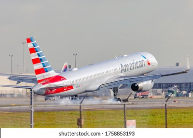 Miami, Florida - January 24, 2020: American Airlines' Boeing 757 landing at Miami international Airport