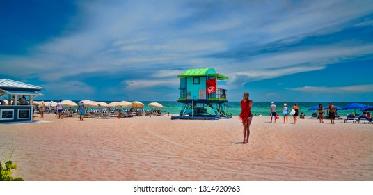 Miami Beautiful Home Images, Stock Photos & Vectors