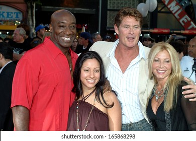 Michael Clarke Duncan, wife, David Hasselhoff, wife at War of the Worlds Premiere, Grauman's Chinese Theatre, Los Angeles, CA, June 27, 2005