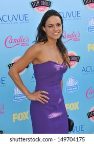 Michelle Rodriguez at the 2013 Teen Choice Awards at the Gibson Amphitheatre, Universal City, Hollywood. August 11, 2013  Los Angeles, CA