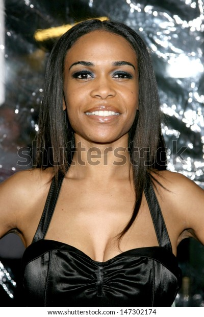 """Michelle Williams (Destiny's Child) at the """"American Gangster"""" Premiere ArcLight Theater Los Angeles, CA October 29, 2007"""