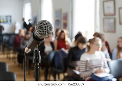 Microphone on the background of the conference.
