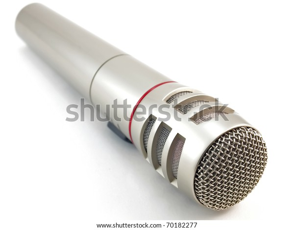 microphone-over-white-shallow-dof-600w-7