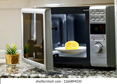 Microwave cleaning using lemon