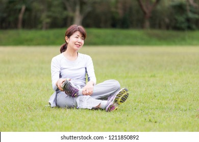 Middle Japanese women stretching
