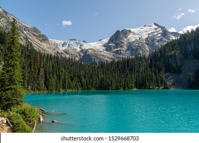 Middle Joffre Lake in Joffre Lakes Provincial Park, Canada