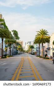 Middle of street photo Miami Beach Collins Ave Coronavirus Covid 19 shut down quarantine