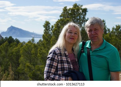 The middle-aged couple travels to Calpe, Spain