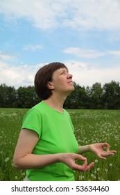 middle-aged woman, meditation, mudra knowledge