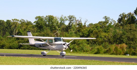 Cessna Aircraft Images Stock Photos Vectors Shutterstock