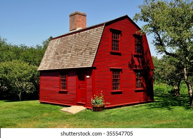 Gambrel Roof Images Stock Photos Amp Vectors Shutterstock