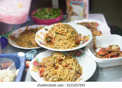Mie Kepiting Aceh, Spicy  Seafood Noodle with Crab at Street food market