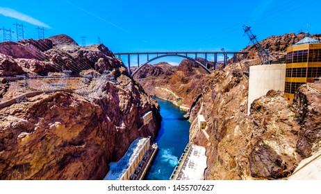 Imágenes, fotos de stock y vectores sobre Dam and Bridge