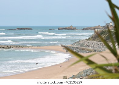 Milady is a Biarritz beach with views of the Rock of the Virgin